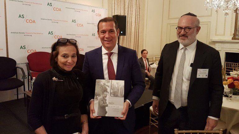 Gutiérrez junto a Susan Segal del Consejo de las Américas y Eduardo Elsztain.