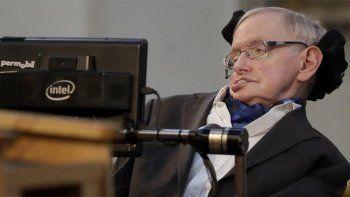 Stephen Hawking dice que la vida terrestre colapsará en 600 años