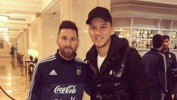 Messi se sacó una foto con Driussi y no lo reconoció