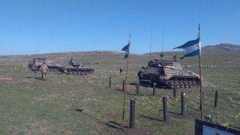 Un tanque de guerra arrolló a una ambulancia: un muerto
