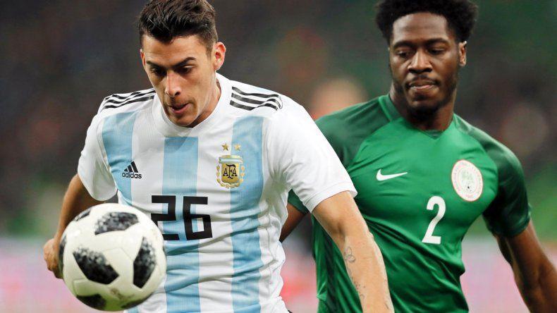 Argentina ganaba pero se durmió en el descanso y cayó ante Nigeria