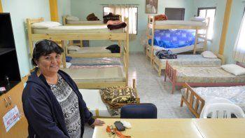El refugio cuenta con un ropero y un dormitorio de 10 camas que tuvo que ser ampliado.