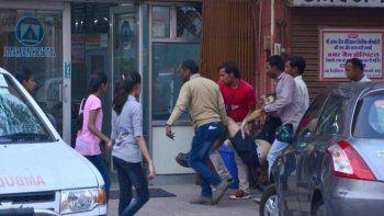 murio un turista argentino atacado por un toro en la india