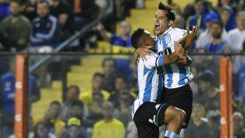 Racing cortó la racha xeneize: le ganó 2 a 1 a Boca en la Bombonera