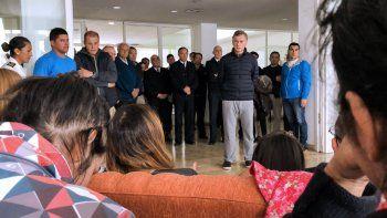 Macri se reunió con familiares de los tripulantes