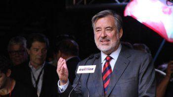 Chilenos locales votaron al candidato oficialista sobre Piñera