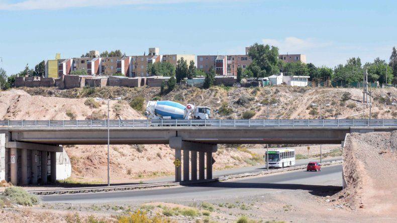 El tránsito pesado ya puede cruzar por arriba del Cañadón de las Cabras.