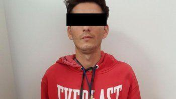 El joven es argentino y vive en Bernal, al sudoeste del Conurbano.