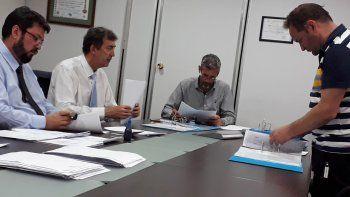 La junta electoral de CALF con la documentación presentada el miércoles.