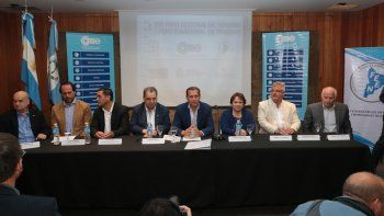 El gobernador encabezó el Foro Regional de Turismo en San Martín.