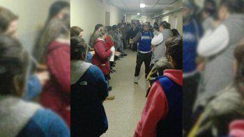 El hospital de San Martín en crisis por falta de limpieza