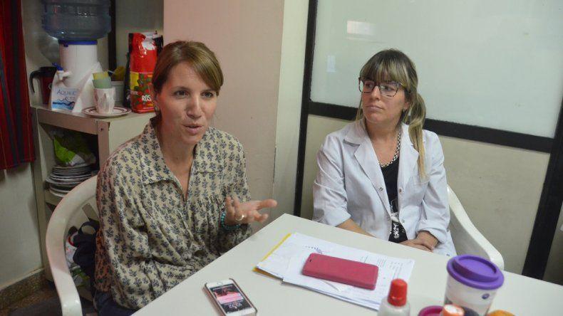 Paola Titanti y Romina Alessandrini integran el equipo de infectología del hospital Castro Rendón.