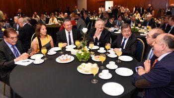 El vice Rolando Figueroa y el senador Pereyra, con autoridades de la región chilena del Biobío.