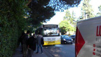 Susto entre los pasajeros de un colectivo tras principio de incendio