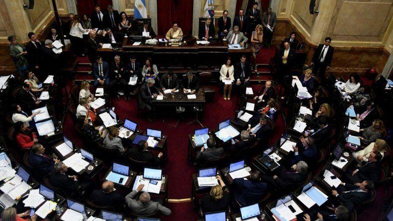En vivo: el Senado busca sancionar la ley antitarifazos