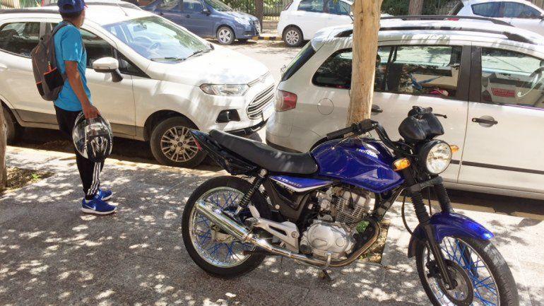 Muchos propietarios no retiran las motos por el alto valor de las multas.