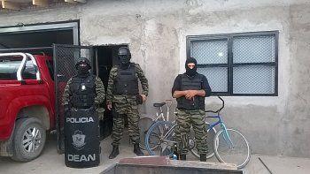 Tres detenidos al desbaratar un kiosco narco en Plottier