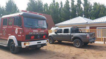 Dos dotaciones de bomberos se necesitaron para el rescate.