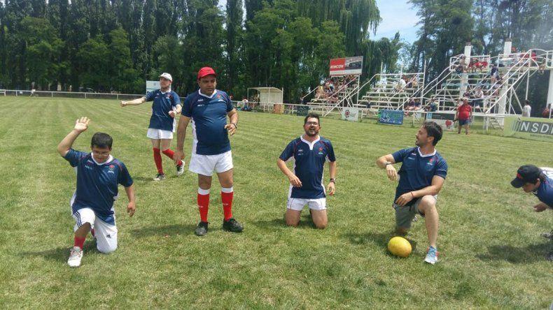 Los jugadores en plena actividad en las instalaciones del club.