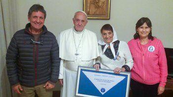 taty almeida se reunio con francisco en el vaticano