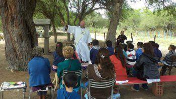 ordenaron sacerdote a un viudo con hijos y nietos