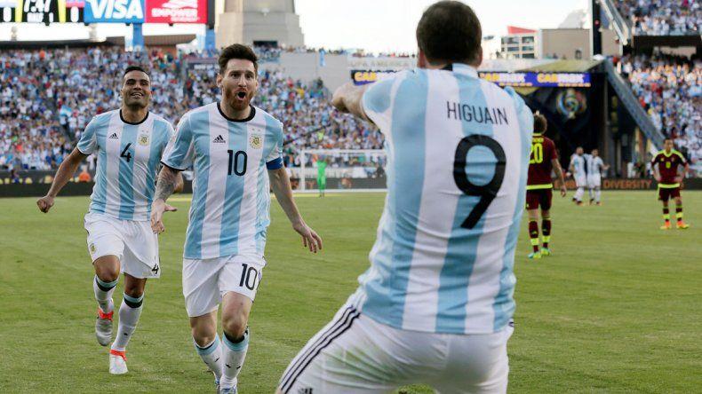 Amigos son los amigos. Lionel respaldó a Gonzalo.