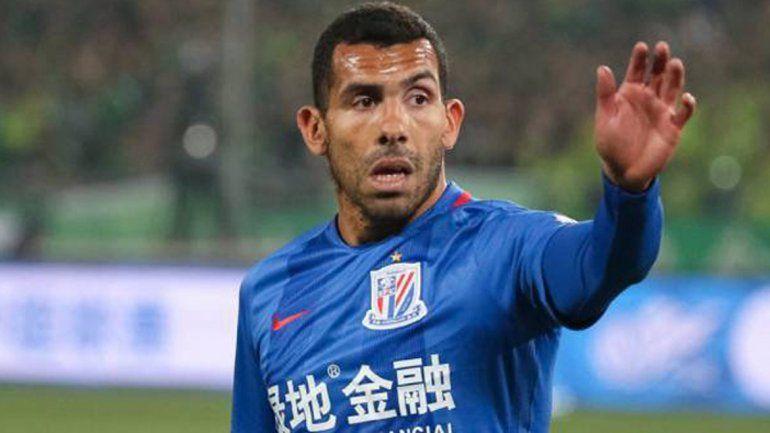 Masche perdió terreno en el Barcelona y se quiere ir pensando en Rusia. Tevez nunca se acomodó en China.