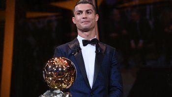 cristiano ronaldo gano su quinto balon de oro e igualo a messi