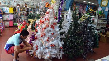 Comerciantes aspiran a salvar el año en Navidad