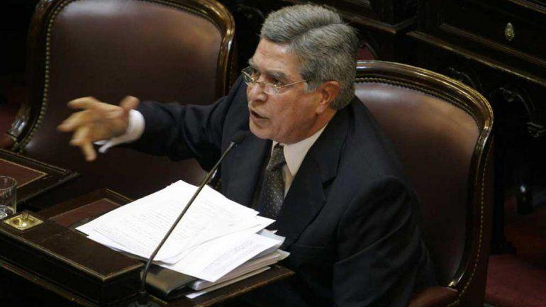 El senador por Neuquén Marcelo Fuentes se mantuvo dentro del kirchnerismo duro ante la fractura del PJ.