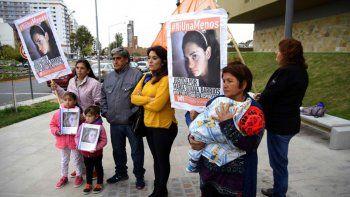 Familiares de Mariana Mercado y María Barrios durante un reclamo.