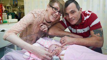 La pequeña luchadora, que nació sin costillas ni esternón, soportó tres cirugías, en las que comenzaron a colocarle el corazón dentro del pecho.