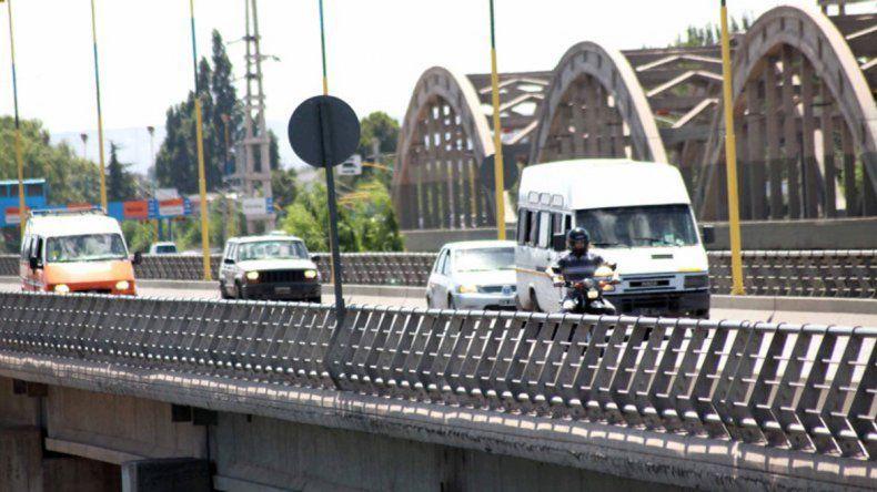 Buscan financiamiento para el  estudio de un nuevo puente entre Cipolletti y Neuquén