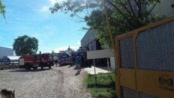 exploto el tanque de un camion de ypf: hay un obrero herido de gravedad