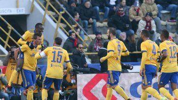 Juventus goleó a Bologna por 3 a 0 y se arrimó al puntero