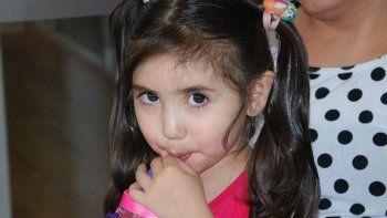 BIanca Quiroga, la niña que necesita de la solidaridad para salvar su vida.