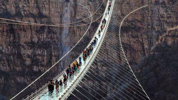 China inauguró el puente de cristal más grande del mundo