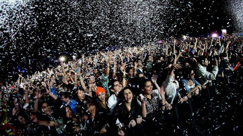 Las fiestas masivas son un fenómeno social de alto riesgo y difíciles de controlar.