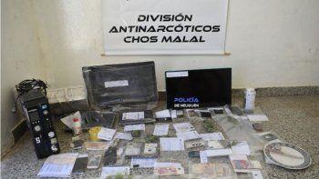 Se secuestró marihuana y más de $3000 pesos en efectivo.