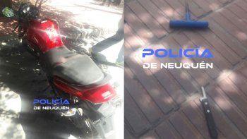 vio como intentaban robar su moto, el ladron huyo y lo atraparon