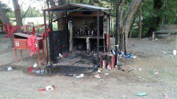 Un incendio destruyó el santuario del Gauchito Gil