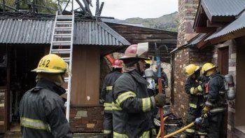 Los bomberos lograron evitar que las llamas se propagaran.
