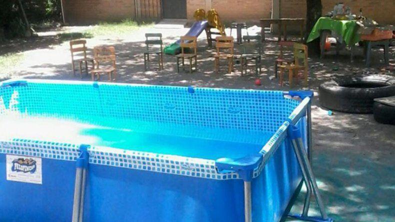 Salvaron a una bebé que casi se ahoga en una pileta en Plaza Huincul