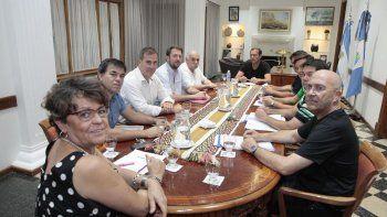 gutierrez preside una reunion de gabinete para definir lineamientos