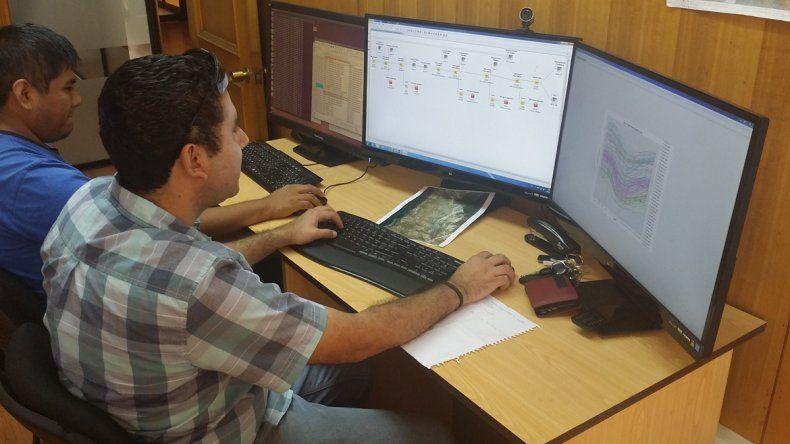 La informática es una especialidad muy demandada por las empresas en Neuquén pero pocos jóvenes la estudian.