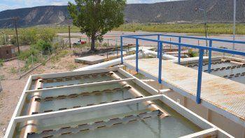 se normaliza la provision de agua afectada por la turbidez del rio colorado
