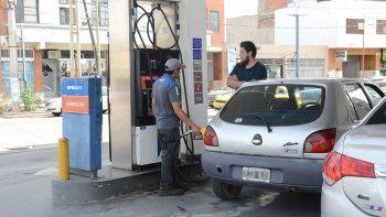 Si bien la Patagonia está eximida de un tributo a las naftas, se incorpora un impuesto por contaminación.