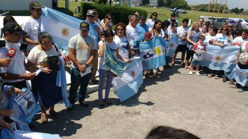 Familiares del ARA San Juan pidieron a Macri que intervenga en la búsqueda