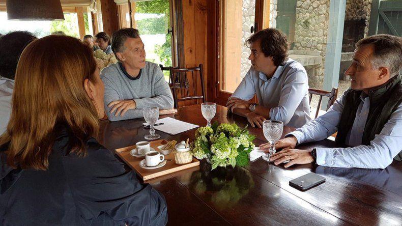 Macri recibió a los diputados neuquinos Schlereth y López