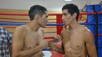 Cara a cara. Mauro Godoy y Leonardo Amitrano clavaron 63,500 kilos exactos en la balanza. Promesa de buen boxeo esta noche en el primer festival pugilístico del año en la capital.